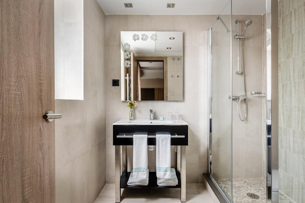 Hotel-Civera-Teruel-Poliol-Bano-con-ducha
