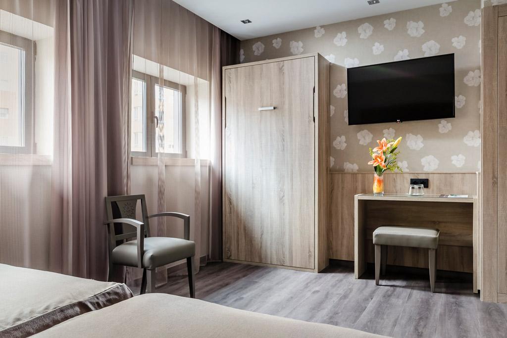 Hotel-Civera-Teruel-Poliol-Habitacion-con-television