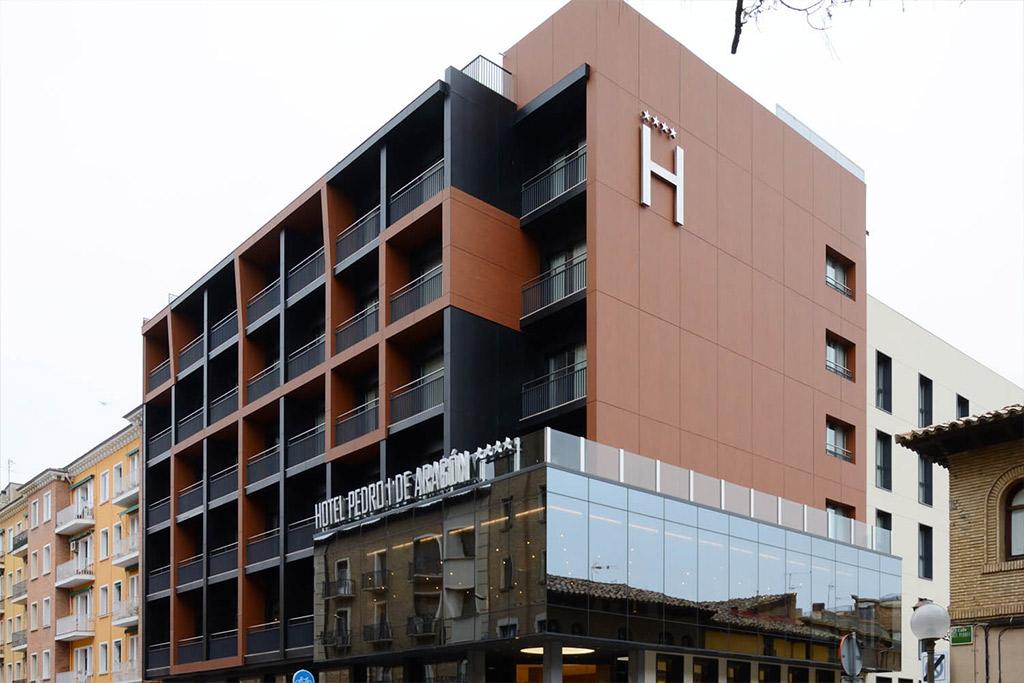 Hotel-Pedro-I-de-Aragon-Poliol-Huesca-Exterior