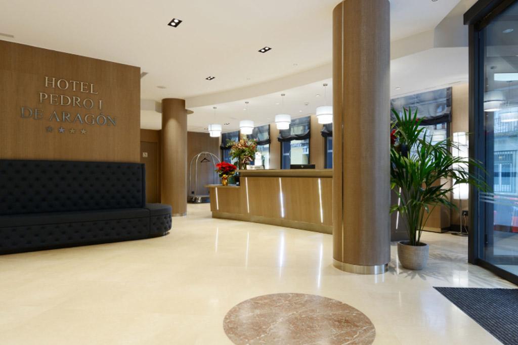 Hotel-Pedro-I-de-Aragon-Poliol-Huesca-Recepcion