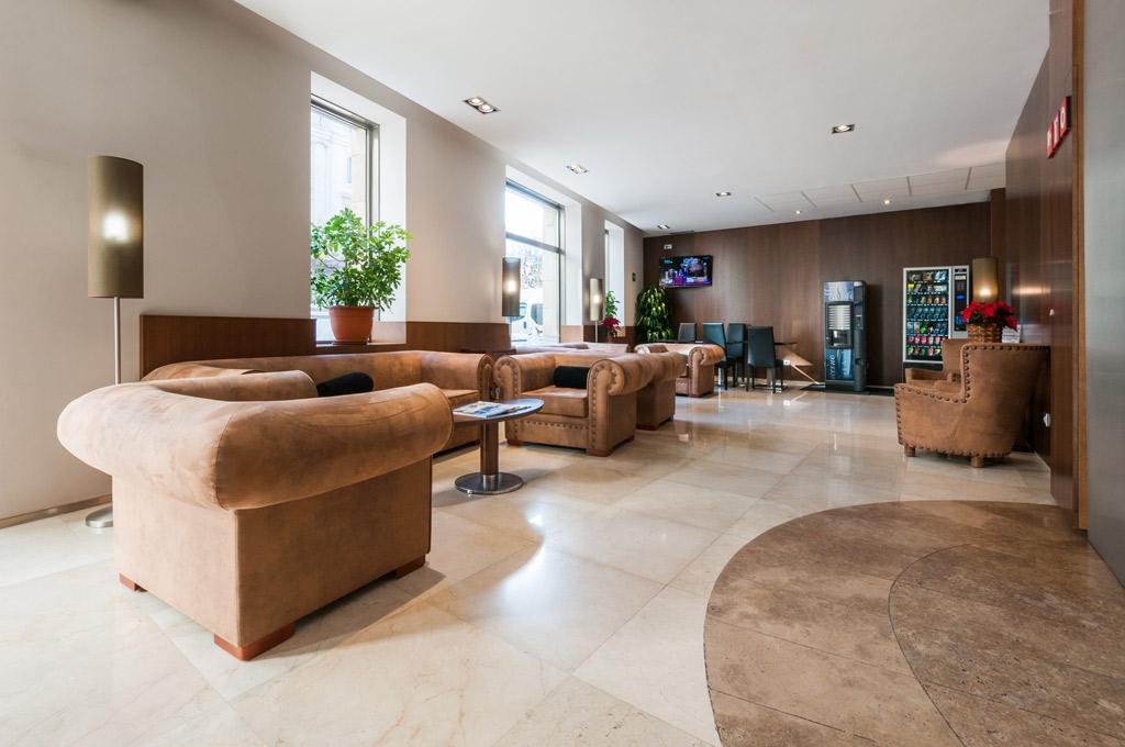 Hotel-Santa-Marta-Poliol-Bar-Sofas