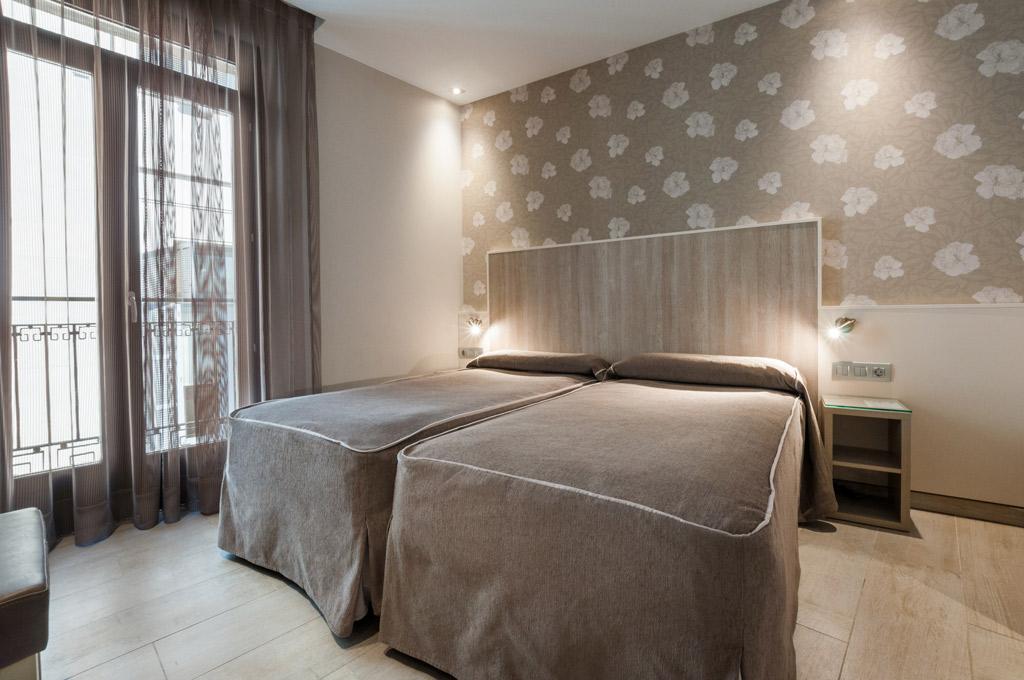 Hotel-Santa-Marta-Poliol-habitacion-dos-camas