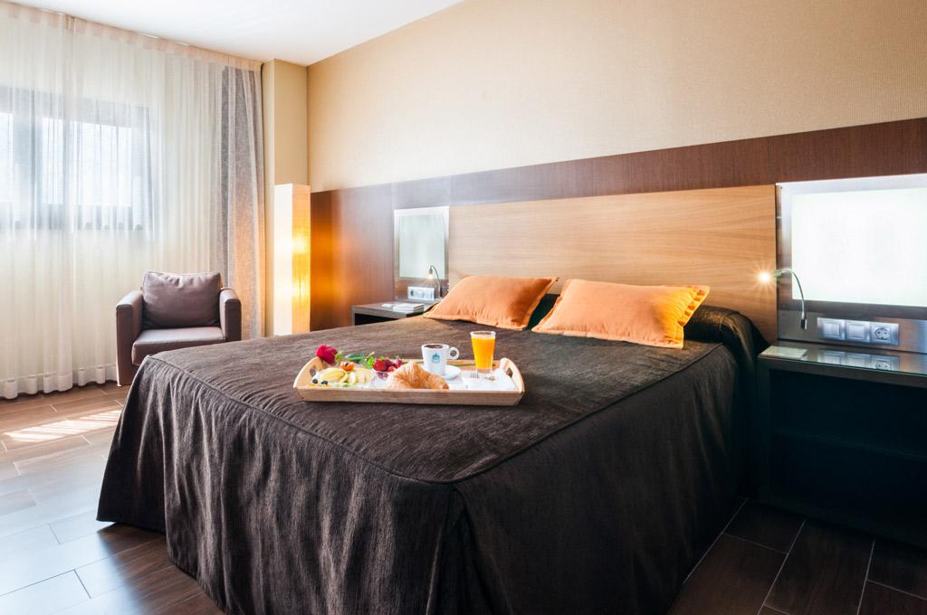 Hotel-ciudad-de-Alcañiz-Poliol-Habitacion-con-desayuno