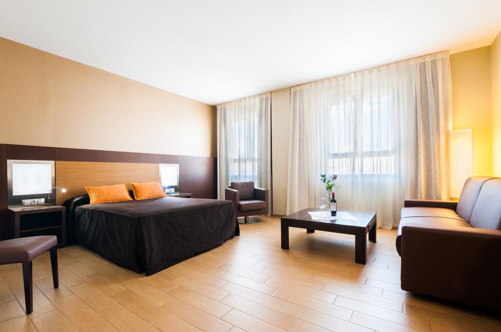 Hotel-ciudad-de-Alcañiz-Poliol-Habitacion
