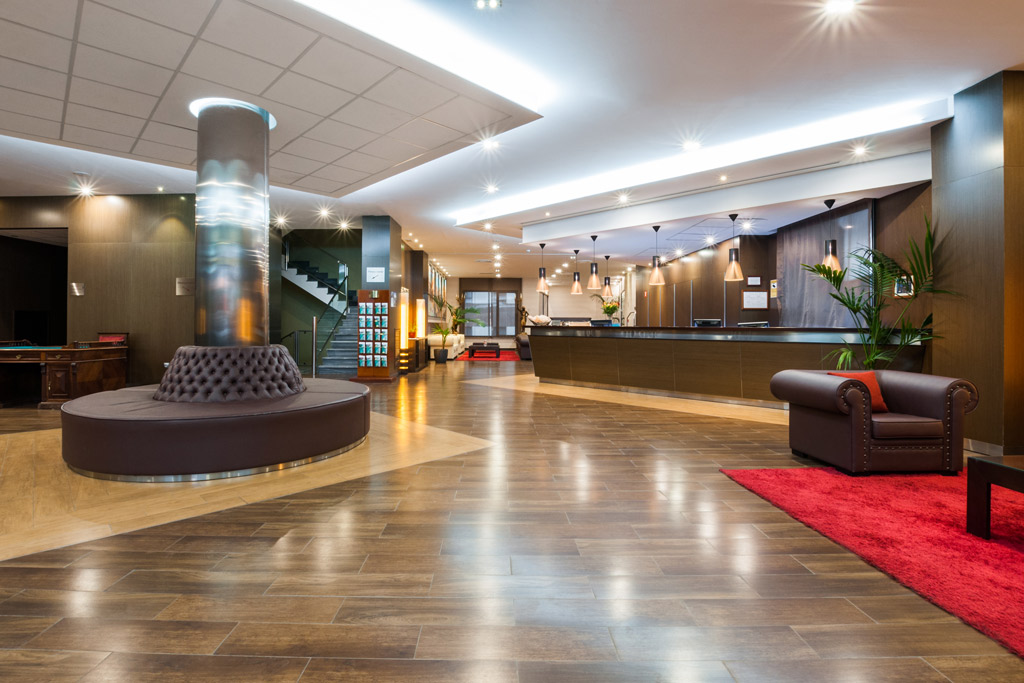 Hotel-ciudad-de-Alcañiz-Poliol-Recepcion