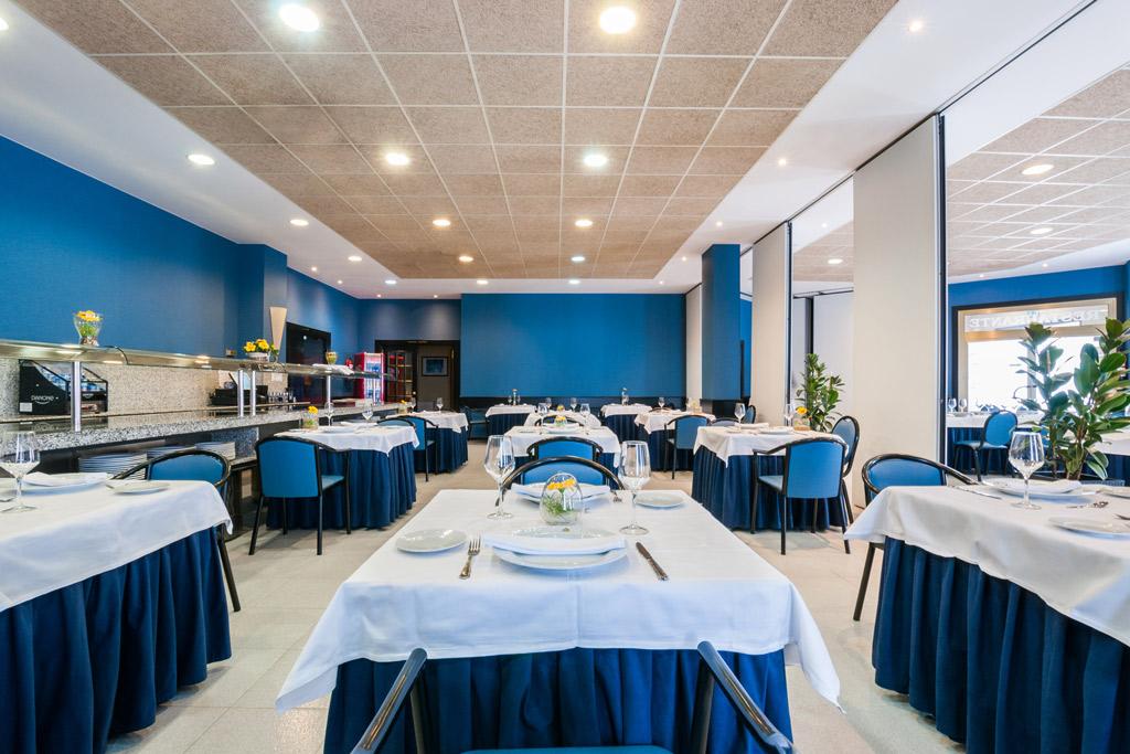 Hotel-ciudad-de-Alcañiz-Poliol-Restaurante-mesas